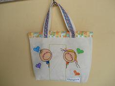 https://flic.kr/p/bo92r2 | Tote Bag - Bolsa 0003 - A | Tote bag confeccionada em Lona e forrada com tecido 100% algodão . Pintada .No espaço vazio pintarei o seu nome.   Medidas: 31x36x7 cm