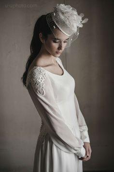 vestido de Isabel Leguina y tocado de Beny Sanz Tocados
