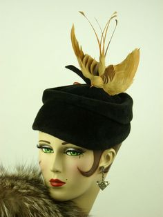 Rare 1940s Lilly Dache black velour hat with bird and hatpin