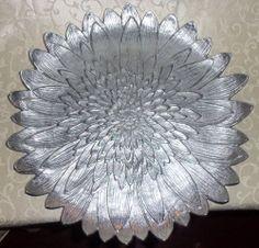 """Martha Stewart Collection Serveware, Park Flowers 16"""" Round Floral Plate"""