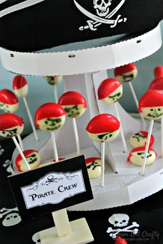 Throw a party inspired by the Happiest Place on Earth with these Disneyland Food Ideas! Mermaid Party Food, Little Mermaid Parties, Disneyland Birthday, Disneyland Food, Pirate Halloween, Pirate Party, Halloween 2020, Birthday Decorations, Birthday Party Themes
