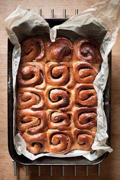 Maple Syrup Almond cinnamon rolls  http://www.photostudioseven.com/mushandco/?p=227