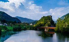 Lago con ponte