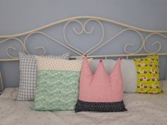 c-line homes: pillows Line, Farmhouse, Homes, Throw Pillows, Bed, Houses, Toss Pillows, Fishing Line, Cushions