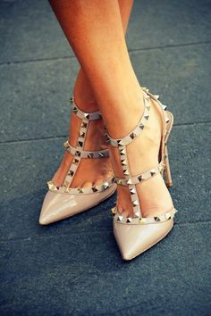 Valentino Studded Slingback Stilettos in nude. Dream Shoes, Crazy Shoes, Cute Shoes, Me Too Shoes, Walking In High Heels, Shoe Boots, Shoes Heels, Blue Heels, Louboutin Shoes