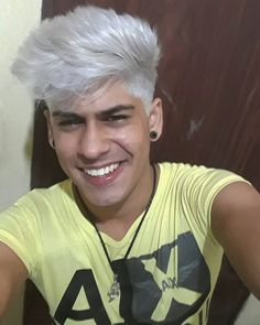 "59 Me gusta, 2 comentarios - Renato Costa Pantaleão (@renatocostapantaleao) en Instagram: ""Aquele #platinado que vc respeita. #hairstyle #hair #blonde #loiro"""