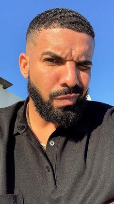 Black Men Hairstyles, Haircuts For Men, Gorgeous Black Men, Beautiful Men, Drake Wallpapers, Drake Drizzy, High Fade Haircut, Drake Graham, Aubrey Drake
