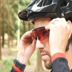 Our photochromic sunglasses offer you everything you need to enjoy your cycling experience to the fullest. These comfortable and intelligent lens sunglasses automatically lightens or darkens in response to changing light conditions without needing to switch between glasses. The UV400 protection coating effectively protects your eyes from any debris, UV rays and other harmful light. Free worldwide delivery and 25% off. Buy now @ bikesunnies.com. #cycling #outdoorsports #sunglasses… Cycling Sunglasses, Sports Sunglasses, Mens Sunglasses, Mtb Bicycle, Tic Toc, Mountain Biking, Sunnies, Lens, Gadgets