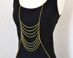 Cet article n'est pas disponible Strass Vintage, Shoulder Jewelry, Steel Chain, Body Jewelry, Silver Color, Fashion Accessories, Gold Necklace, Body Chains, How To Wear