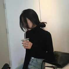 Image about girl in ulzzang🌜 by LOΛE on We Heart It Korean Girl Ulzzang, Mode Ulzzang, Look Fashion, Korean Fashion, Fashion Outfits, Style Japonais, Uzzlang Girl, Living At Home, Tumblr Girls