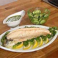 Fisken kan serveres varm eller kald. Varm med nykokte poteter, agurksalat og smørsaus laget av fiskekraften vi får av ørreten. Kald, kan den serveres på... Fresh Rolls, Lunch, Dinner, Vegetables, Ethnic Recipes, Google, Dinner Ideas, Food Food, Dining