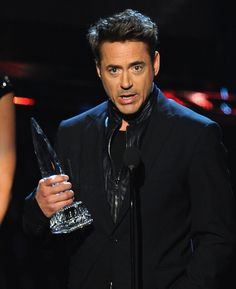 Robert+Downey+Jr+People+Choice+Awards+Show+jdpgHVJW-bGl.jpg (484×594)