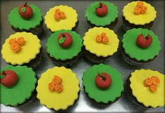 Snow white and seven dwarves themed cupcakes!