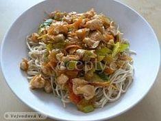 Čínské nudle s masem a žampióny Spaghetti, Food Porn, Food And Drink, Cooking, Ethnic Recipes, Vietnam, Asia, Lasagna, Recipies