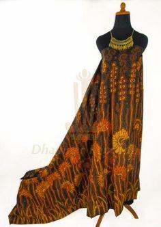 IDR. 700k   Kain Batik Tulis Warna   Motif Kembang Sogan   Ukuran kain: 2,50m X 1,10m   Kode: 011    Note: Harga item tidak termasuk kalung yang tertera pada gambar.    #batik #dhamparkencono #batiktulis #java #indonesia #sale #boutique