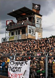 FC St Pauli near Hamburg, corporate hospitality DIY. Soccer Fans, Football Fans, Fc St Pauli, Ultras Football, Football Casuals, Homebrew Recipes, Sports Stadium, You'll Never Walk Alone, Leeds United