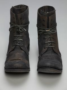 A1923, ADICIANNOVEVENTITRE (AUGUSTA) scarred horse lace-up boots.