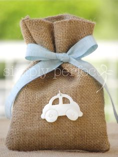 ΚΩΔ P002 Burlap Gift Bags, Fabric Gift Bags, Baby Shower Favors, Baby Boy Shower, Bomboniere Ideas, Party Giveaways, Christening Party, Burlap Projects, Crafts For Boys