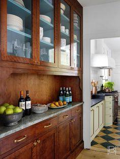 Kitchen Dining, Kitchen Cabinets, Kitchen Redo, Design Kitchen, Dining Rooms, Kitchen Ideas, Kitchen Island, Beata Heuman, Nantucket Home