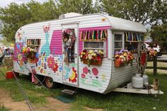 Vintage Caravans, Vintage Travel Trailers, Vintage Campers, Little Trailer, Little Campers, Airstream Campers, Camper Trailers, Camping Glamping, Camping Life