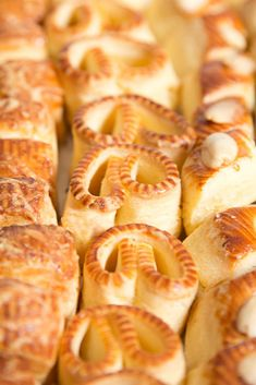 Imádunk sütni - Sós teasütemény Garlic Bread, Bakery, Cookies, Recipes, Food, Advent, Drinks, Crack Crackers, Drinking