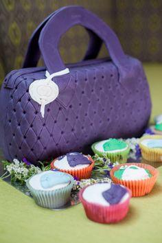 Handtaschentorte und Cupcakes
