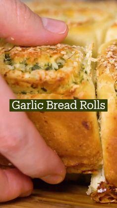 Brunch, Fun Baking Recipes, Cooking Recipes, Garlic Bread, Garlic Rolls, Appetizer Recipes, Appetizers, Food Cravings, Junk Food
