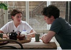 Notting Hill - Julia Roberts and Hugh Grant Dirty Dancing, Iconic Movies, Old Movies, Notting Hill Movie, Hugh Grant Notting Hill, Julia Roberts Notting Hill, Notting Hill Quotes, Hugh Grant Julia Roberts, Movies Showing
