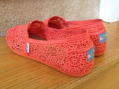 summer toms, IN CORAL!!!!