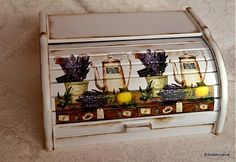 Chlebník levanduľa s citrónom / Pupavkashop - SAShE. Decoupage Glass, Decoupage Box, Upcycled Furniture, Painted Furniture, Bakery Box, Chalk Paint, Projects To Try, Decorative Boxes, Shabby Chic