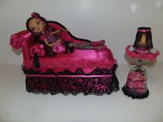 Furniture for Ever After High Dolls Handmade Chaise Lounge Bed for Briar Beauty with Mirrored Rose Table and Working Lamp Monster High Bedroom, Monster High House, Monster High Dolls, Ever After High, Diy For Kids, Cool Kids, After High School, Mattel Dolls, Barbie House