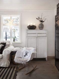 Christmas house in Sweden by stylist Anna Truelsen Gray Interior, Interior Exterior, Boho Deco, Sweden House, Beautiful Interior Design, White Rooms, Scandinavian Home, Living Room Lighting, Christmas Home