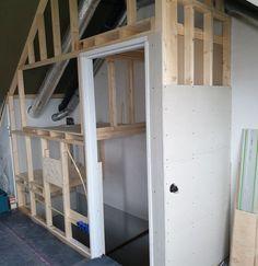 Small Attic Room, Attic Spaces, Stairway Storage, Easy Garage Storage, Garage Studio, Attic Organization, Attic Closet, Attic Bedrooms, Sleeping Loft