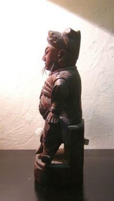 Estatua china en madera, periodo Tsai Chen - Decoración Árabe