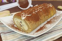 Tiramisu Biscuit rolled with thermomix. I propose you a tiramisu rolled biscuit recipe, simple to prepare at home with thermomix. Gourmet Recipes, Baking Recipes, Sweet Recipes, Cake Recipes, Dessert Recipes, Food Cakes, Tiramisu Sans Biscuit, Cacao Powder Benefits, Dessert Thermomix