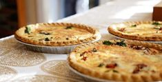 Bring brunch to the next level with these gluten free quiche recipes. Cooking Salmon Steaks, Cooking Roast Beef, Cooking Brisket, Cooking Bacon, Cooking Turkey, Quiche Recipes, Pie Recipes, Cooking Recipes, Fennel Recipes