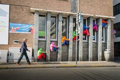 bodies in urban spaces - Yahoo Image Search Results