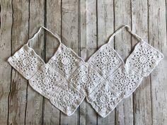 Aprendiendo a hacer Tops de grannys ¡¡ super sexys !!   Grannysquare.eu Crochet Crop Top, Crochet Bikini, Knit Crochet, Knitting Stitches, Crochet Clothes, Crochet Patterns, Lily, Boho, Sewing