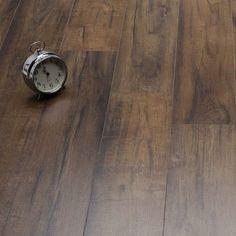 Advanced wood laminate flooring rug just on interioropedia home design Herringbone Laminate Flooring, Laminate Flooring On Walls, Aquaguard Flooring, Direct Wood Flooring, Linoleum Flooring, Wood Laminate, Transition Flooring, Best Laminate, Armstrong Flooring