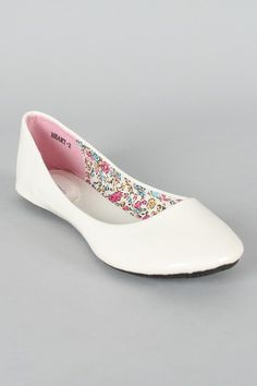 Heart-2 Patent Round Toe Ballet Flats. They also have them in Fuchsia and Blue. $17