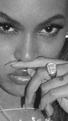 black and white aesthetic trillexx Boujee Aesthetic, Aesthetic Collage, Aesthetic Vintage, Aesthetic Fashion, Aesthetic Pictures, Queen Aesthetic, Makeup Aesthetic, Aesthetic People, Aesthetic Bedroom
