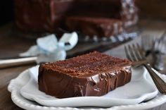 Wellesley Fudge Cake : this looks like very good creamy fudge frosting ~ it is cooked the icing sugar etc goes in. Fudge Recipes, Baking Recipes, Cake Recipes, Dessert Recipes, Fudge Frosting, Frosting Recipes, Macaron Cake, Cupcake Cakes, Cupcakes