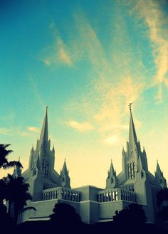 san diego temple.. Mike & I are getting married here!! :) - Sarah Kopta