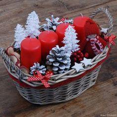 WomenTime.hu Christmas Flower Decorations, Christmas Advent Wreath, Christmas Food Gifts, Christmas Gift Baskets, Homemade Christmas Gifts, Christmas Mood, Christmas Candles, Christmas Centerpieces, Christmas Greetings