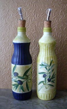 Empty Bottles, Bottles And Jars, Oil Bottle, Bottle Art, Decopage, Recycled Bottles, Fused Glass, Diy And Crafts, Recycling