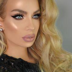 "Isnt @nikkifrenchmakeup looking gorgeous? We are totally obsessed! . Use discount code ""AR1ANA"" for 10% extra discount on your next order . Check out all lashes at http://www.ArianaLashes.com . repost via: @nikkifrenchmakeup  #instashare #lashestoronto #3dminklashes #underratedmakeupbabes #lashesforweeks #Underratedglam #fashionable #eyelashesonpoint #tutorialeyelash #eyelash #instapics #lashespoppin #3dminkeyelash #eyeliner #makeupcollection #lashartist #eyelashesfordays #minklashes…"