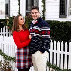 Winter Storm Warning in Connecticut ⚠️❄️ & we have a pile of @vineyardvines sweaters to keep us warm ☃☃☃ #howdoyouholiday #vineyardvines #edsftg