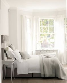 Top 15 Romantic Bedroom Decor