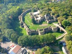 Suceava citadel – the unbeatable fortress Romania Facts, Costume Castle, Arch Bridge, Historical Monuments, Moldova, Fortification, Places To See, Tourism, Beautiful Places