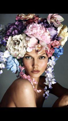 Vogue Italia December 2011 Karlie Kloss by Steven Meisel, floral headpiece, rose Steven Meisel, Foto Fashion, High Fashion, Fashion Beauty, Vogue Beauty, Gypsy Fashion, Vogue Fashion, Beauty Style, Classic Beauty